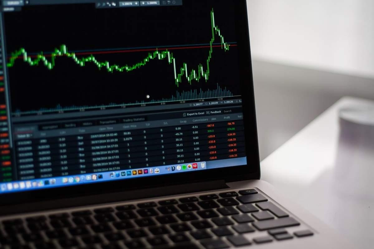 Binance Coin vs. Bitcoin vs. Chainlink – Wo investieren?
